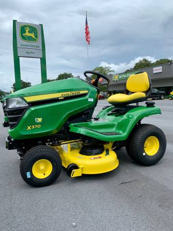 Photo John Deere X370 42quot Power Steering Riding Lawn Mower - $4,199 (Rome)