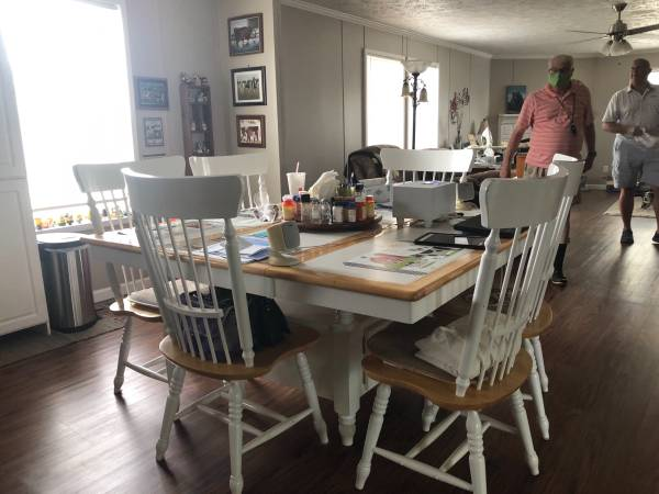 Photo Moving Selling Furniture, Hull, The Doublewide too (The Stables Sevierville TN)