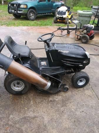 Photo Murray Riding Lawn Mower - $450 (Buford)