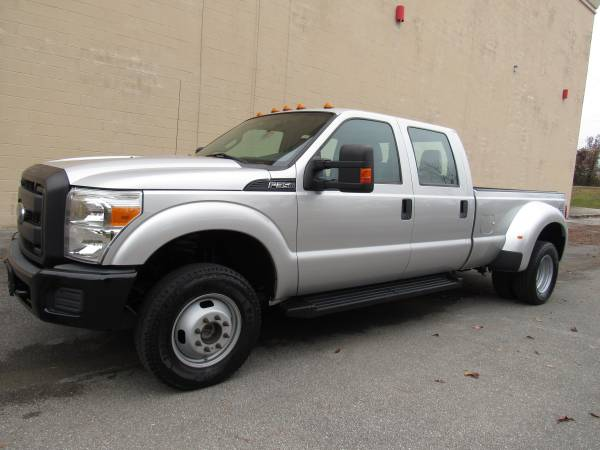 Photo 2015 FORD F350 SD CREW CAB  LONG BED  DUALLY  4X4  1 OWNER  - $31,995 (NO DOC FEES)