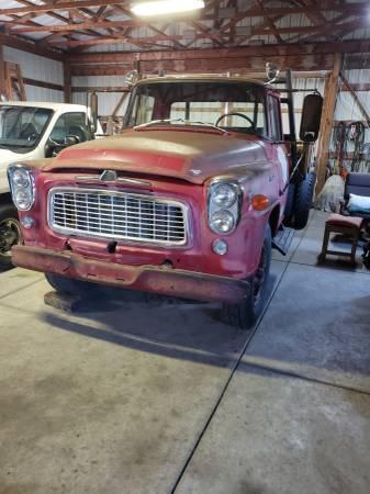 Photo 1959 International Flatbed Farm Truck-Model B170-5 Speed-6 Cylinder - $3,500 (Valley Center)