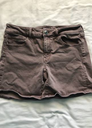 Photo American Eagle size 10 stretchy womens shorts - $10 (Wichita)