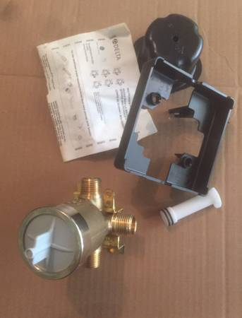 Photo Delta R10000-UNBX TubShower rough-in valve. 12 threaded or sweat connection - $35 (Wilcox)
