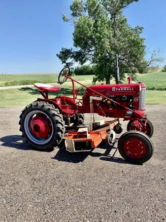 Photo Farmall Cub Tractor 1952 - $3,999 (Norton, KS)
