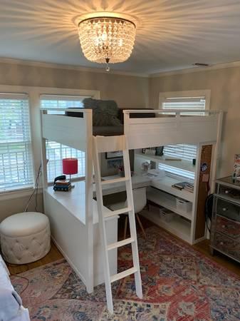 Photo Pottery Barn desk wbunk bed above - $300 (Wichita)