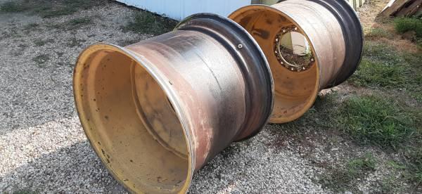 Photo Rims for 30.5X32 tires - $900 (Tecumseh, NE)