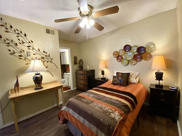 Photo The amenities you cant live without at a price you can afford. (Wichita)