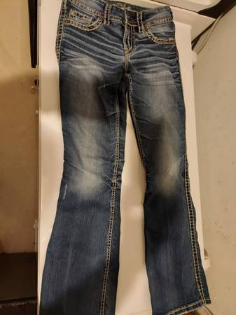 Photo womans Silver jeans size 24x35 and 26x30 - $1 (Wichita)