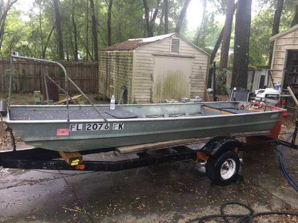 Photo 13.6 foot Jon boat with Trailer  Florida title  front fishing deck  - $950 (Inverness)