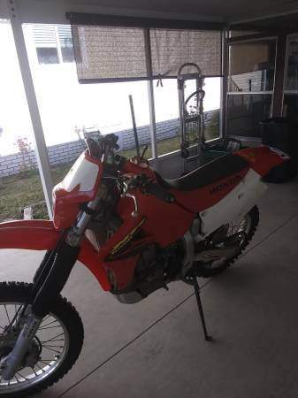 Photo 2003 Honda xr 650r - $4800 (Dunnellon)