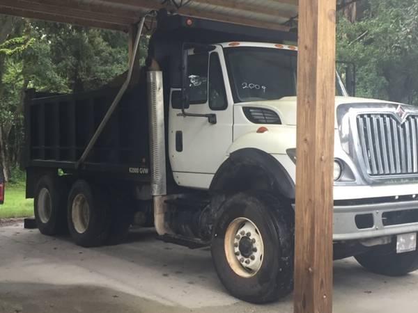 Photo 2009 International 7600 Dump Truck - $57,000