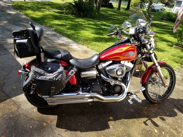 Photo 2012 Dyna WideGlide Harley Davidson - $7,800 (Ocala)