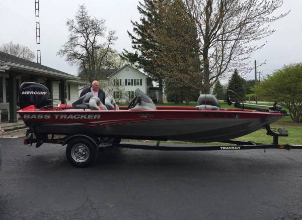 Photo Boat is a tx 17 Bass Tracker - $2600