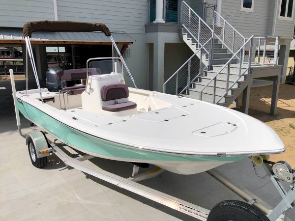 Photo CENTER CONSOLE-2017 TIDEWATER 1910 FISHING BOAT - ONLY 3 HOURS - $27,800 (Homosassa FLORIDA)