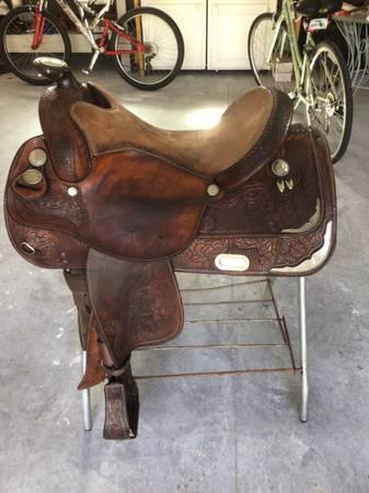 Photo CIRCLE Y SADDLE - $425 (Ocala)