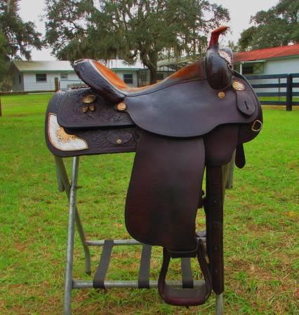 Photo Circle Y Show Saddle - $1,000 (Umatilla)