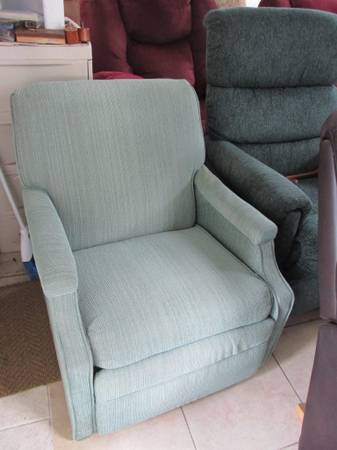 Photo Compact Recliner by BARCALOUNGER-Great for RV - $135 (Summerfield)