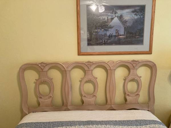 Photo Double bed head board and metal bed frame - $33 (Crystal River)