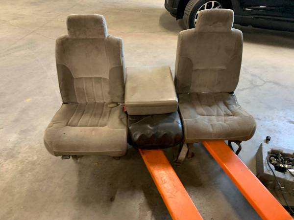 Photo Front Seats for 1994 - 1997 Dodge Ram Cummins 1500  2500  3500 - $100 (Ocala Fl)