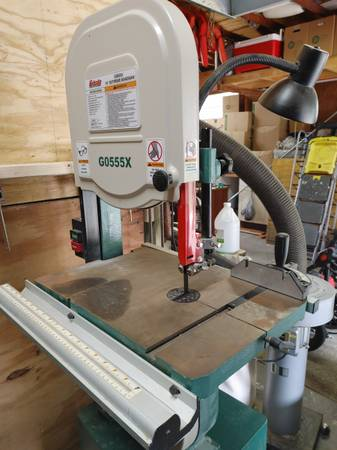 Photo Grizzly Band Saw - $400 (Hernando)