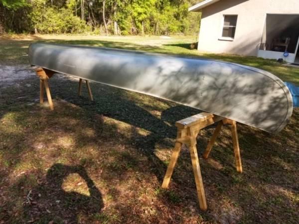 Photo Grumman 18 Foot Cargo Aluminum Canoe - $380 (Dunnellon, Fl.)
