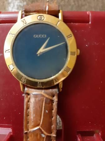Photo Gucci 1980s men39s wrist watch, original owner - $200 (Leesburg)
