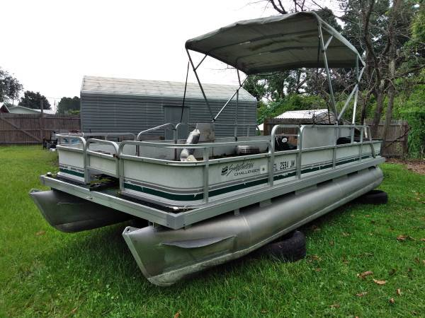Photo I buy Pontoon boats, pontoon trailers, projects ok (Central Florida , will travel coast to coast)