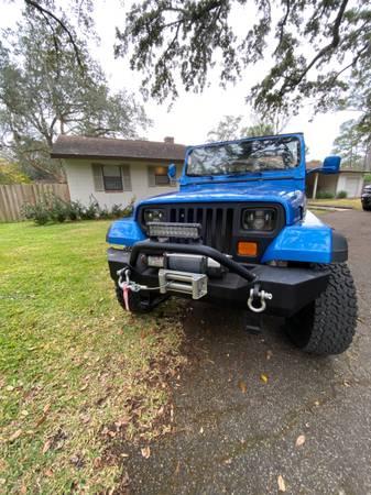 Photo Jeep trade for flats boat - $8,910 (Ocala)