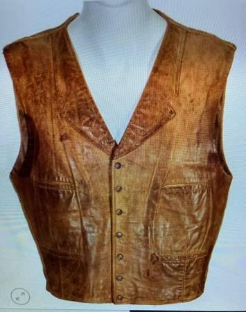 Photo John Wayne brown leather vest. - $115 (Dunnellon)