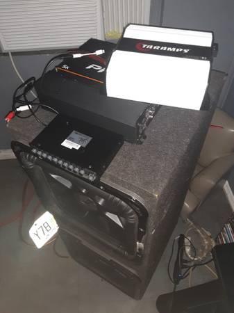 Photo Kicker car audio bass system - $800 (Ocala)