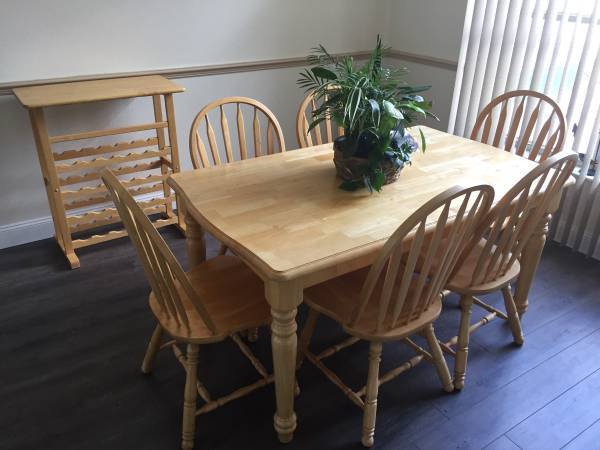 Photo Kitchen table chairs and Wine Rack - $245 (Lecanto)