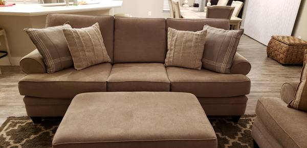 Photo Living Room Furniture - $900 (The Villages)