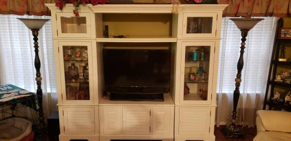 Photo Living Room Set, Dining Room Set, and Bedroom Set - $2,500 (The Villages (Caroline))