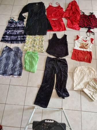 Photo Pajamas Sets and Nightgowns Lot - $20 (Beverly Hills)