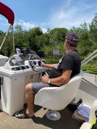 Photo Pontoon Boat 70HP Outboard Boat Trailer - $12,000 (Leesburg)