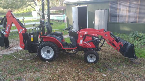 Photo RK24 Tractor with loader, backhoe, and rake - $18,000 (Leesburg)