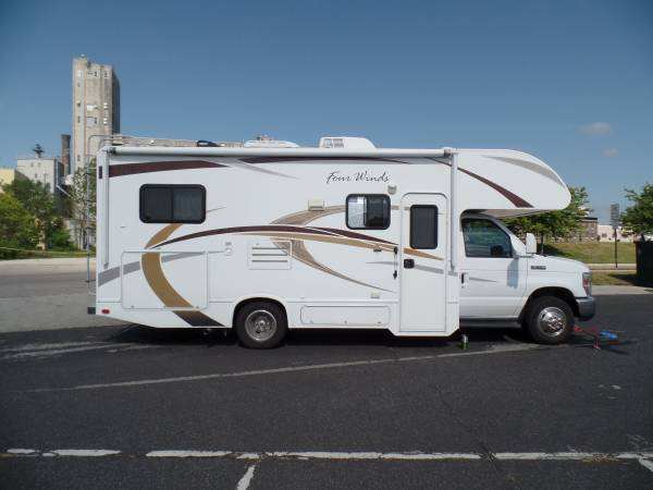 Photo RV 2013 THOR 2439 FOUR WINDS - $39,500 (INVERNESS, FL)