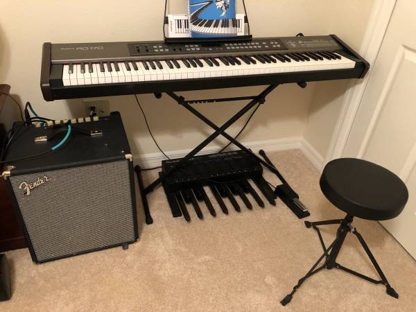Photo Roland RD 170 Electric Piano Keyboard - $1,200 (The Villages)