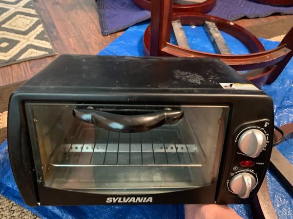 Photo Small Sylvania Toaster Oven - 14 12 long x 8 high x 8 12 deep - $10 (Ocaka, Fl)