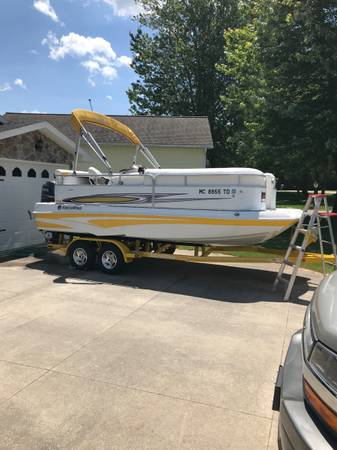 Photo South wind 20 foot deck boat with trailer - $25,200 (The villages Florida)