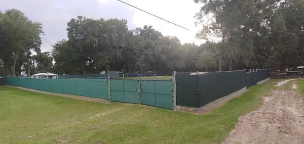 Photo TRUCKTRAILERBOATEQUIPMENT STORAGE YARD OFF I-75  US 27 IN OCALA - $77 (By Raneys Truck Sales  Sims Crane Service)