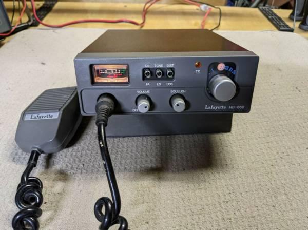 Photo Vintage Lafayette HB-650 CB Radio 23 Channel With original Microphone. - $40 (Ocala)
