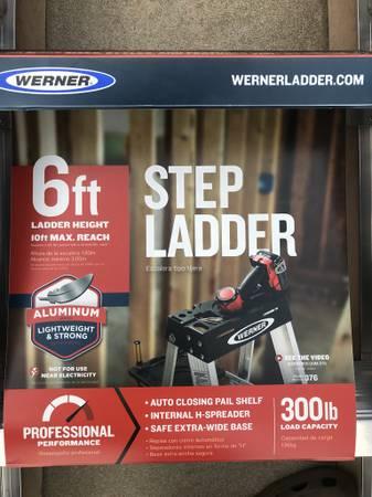 Photo Werner 376 639 Type 1A Aluminum Step Ladder - $80 (Dunnellon)