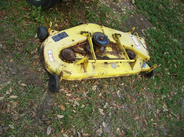 Photo John Deere 318 Garden Tractor Mower Deck - $250 (Holder)