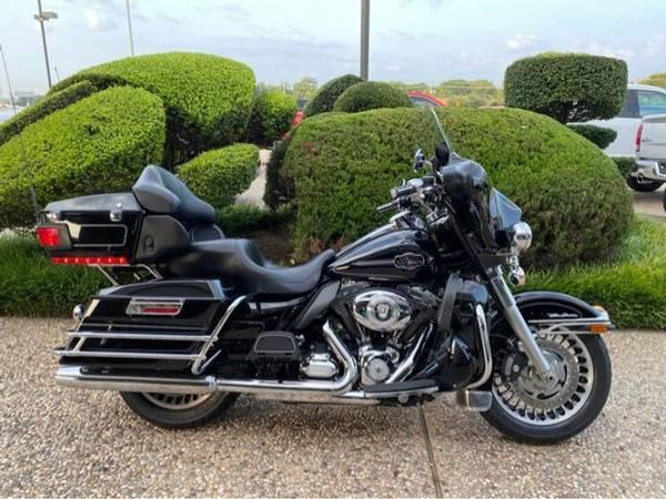 Photo 2012 Harley-Davidson Ultra Classic Electra Glide FLHTCU - $11,983 (Harley-Davidson Ultra Classic Electra Glide)