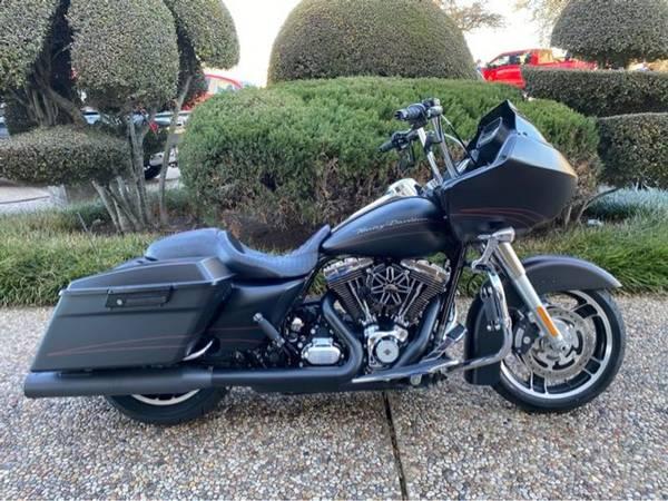 Photo 2013 Harley-Davidson Road Glide Custom FLTRX103 - $15,988 (Harley-Davidson Road Glide Custom)