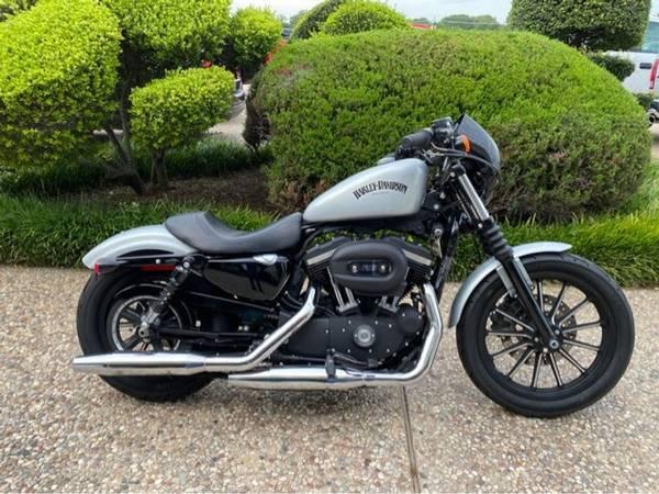 Photo 2015 Harley-Davidson XL883N Sportster Iron 883 - $5,988 (Harley-Davidson XL883N Sportster Iron 883)