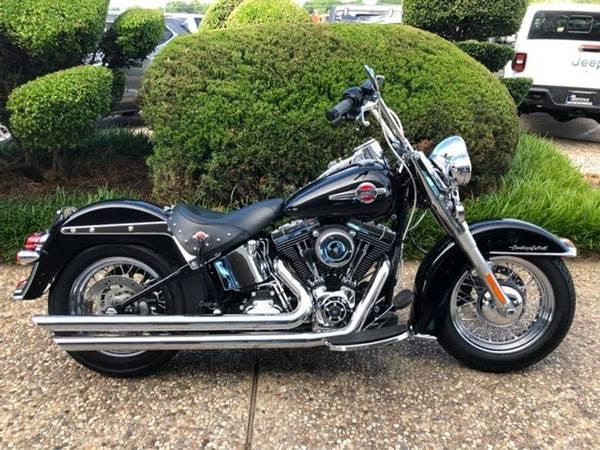 Photo 2016 Harley-Davidson Heritage Softail Classic - $12,900 (Harley-Davidson Heritage Softail Classic)