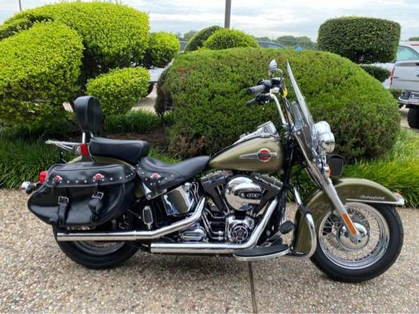 Photo 2016 Harley-Davidson Heritage Softail Classic - $13,277 (Harley-Davidson Heritage Softail Classic)