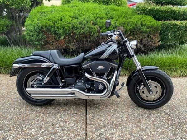Photo 2017 Harley-Davidson Dyna Fat Bob - $14,577 (Harley-Davidson Dyna Fat Bob)